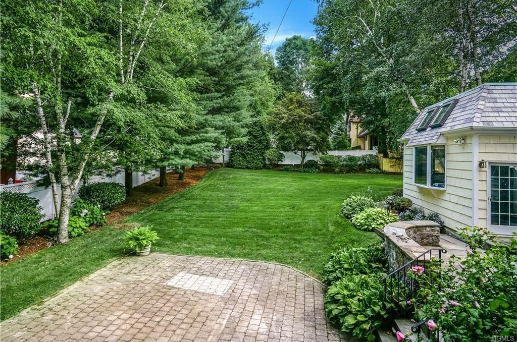 1 Harvard Ct, White Plains, NY 10605 -  $995,000 home for sale, house images, photos and pics gallery