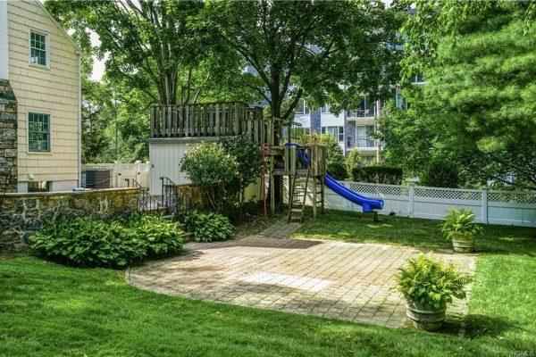 1 Harvard Ct, White Plains, NY 10605 -  $995,000