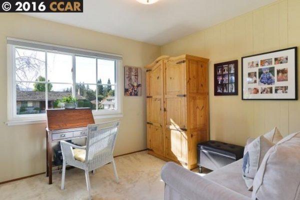 1001 Carter Dr, Moraga, CA 94556 -  $1,085,000