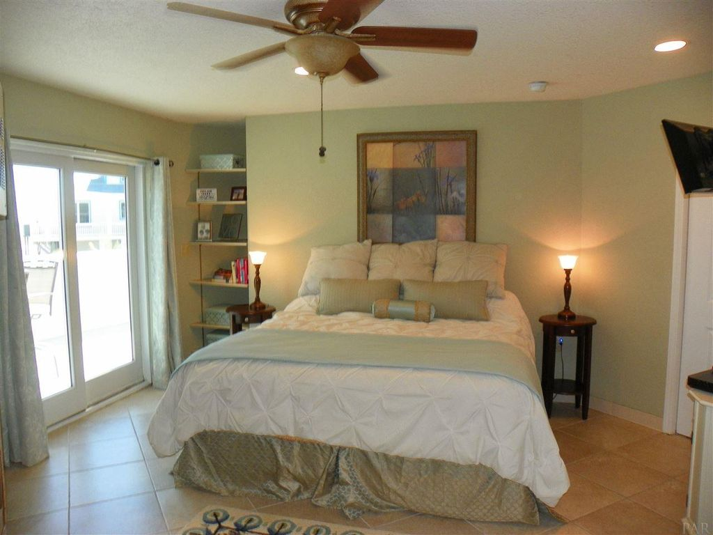 1005 Ariola Dr, Gulf Breeze, FL 32561 -  $999,000 home for sale, house images, photos and pics gallery