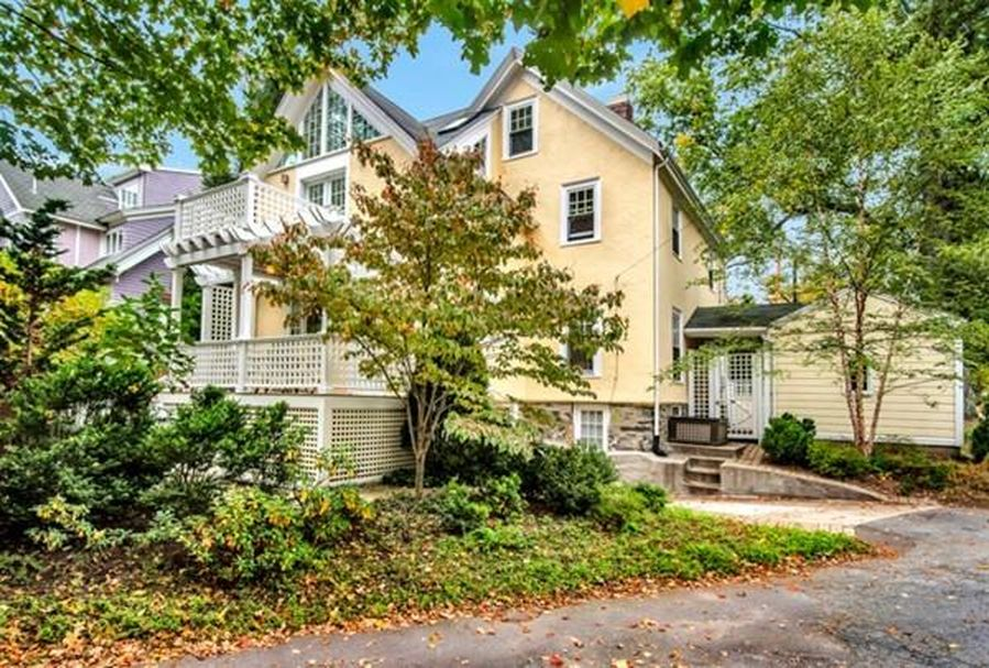 104 Church St, Winchester, MA 01890 -  $1,050,000 home for sale, house images, photos and pics gallery