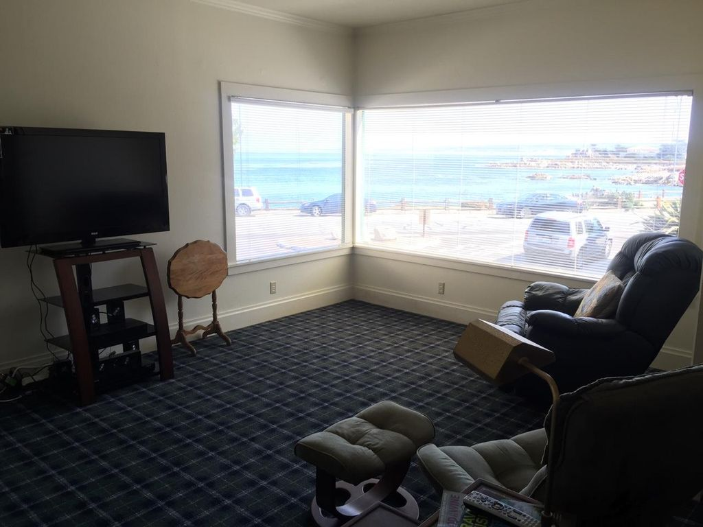 106 8th St, Pacific Grove, CA 93950 -  $1,085,000 home for sale, house images, photos and pics gallery
