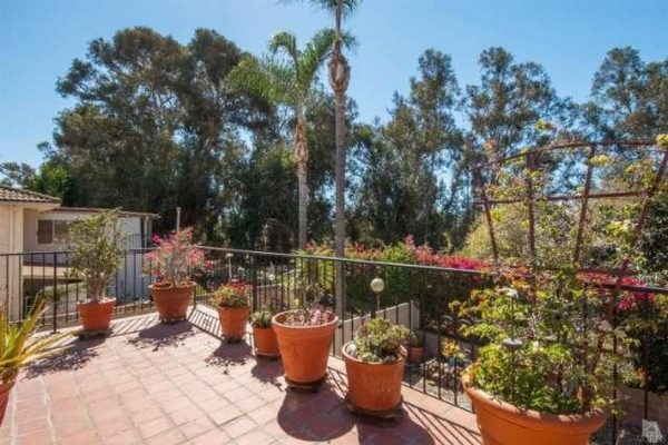 10812 Kings Rd, Ventura, CA 93004 -  $950,000