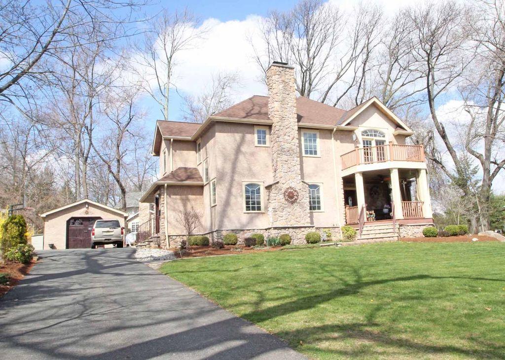 11 Cobb Rd, Mountain Lakes, NJ 07046 -  $969,000