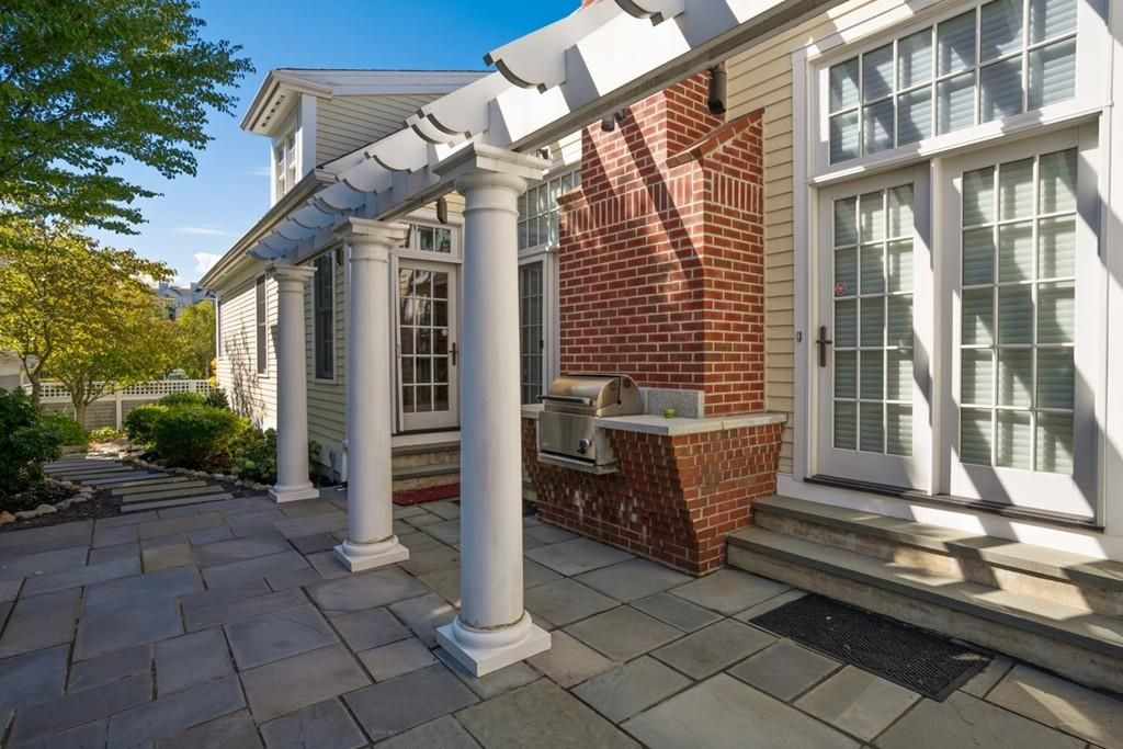 11 Hutchinson Ln, Quincy, MA 02171 -  $1,100,000 home for sale, house images, photos and pics gallery