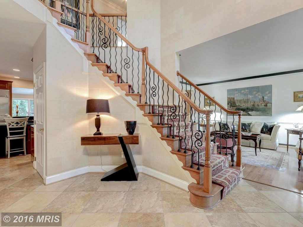 11058 Aldbury Ct, Reston, VA 20194 -  $930,000 home for sale, house images, photos and pics gallery