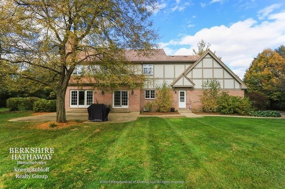 1115 Windhaven Ct, Lake Forest, IL 60045 -  $1,050,000 home for sale, house images, photos and pics gallery