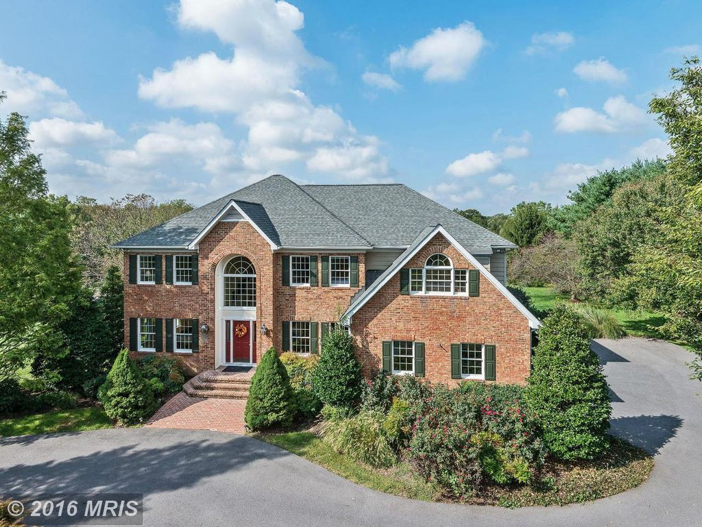 12019 Broad Meadow Ln, Clarksville, MD 21029 -  $950,000