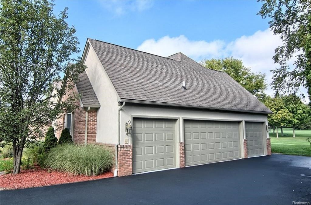 1226 Cedarholm Ln, Bloomfield Hills, MI 48302 -  $949,000 home for sale, house images, photos and pics gallery