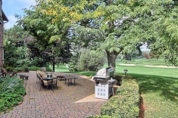 1226 Cedarholm Ln, Bloomfield Hills, MI 48302 -  $949,000