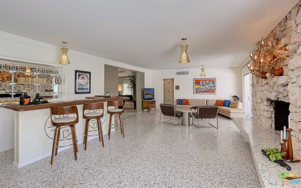 1230 S Calle De Maria, Palm Springs, CA 92264 -  $1,049,000 home for sale, house images, photos and pics gallery