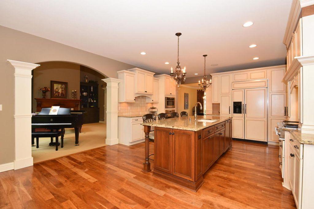 1250 Brandywine Ln, Brookfield, WI 53045 -  $988,000 home for sale, house images, photos and pics gallery