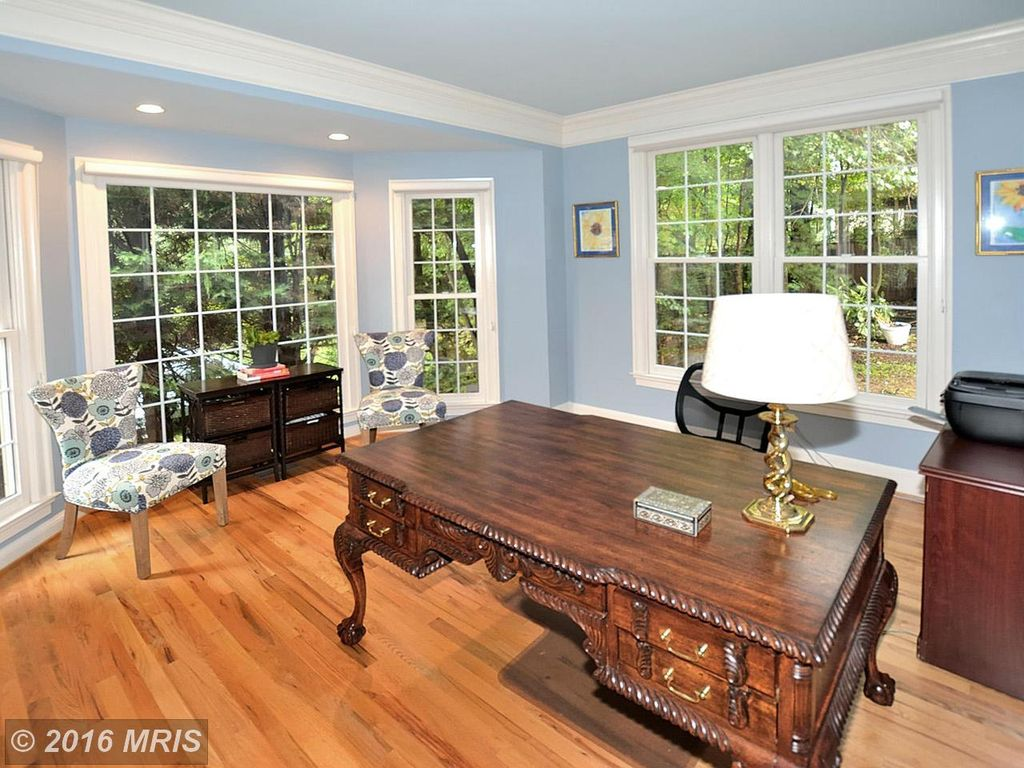 1268 New Bedford Ln, Reston, VA 20194 -  $1,020,000 home for sale, house images, photos and pics gallery