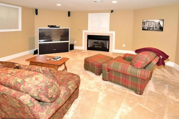 1268 New Bedford Ln, Reston, VA 20194 -  $1,020,000