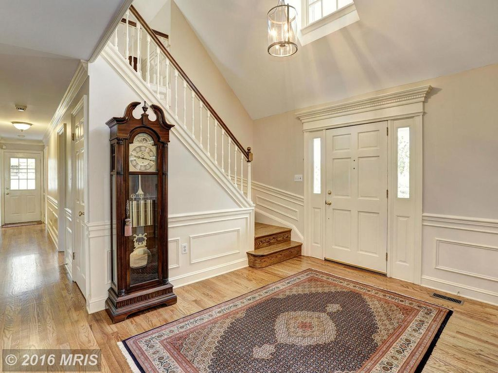 12821 Three Sisters Rd, Rockville, MD 20854 -  $995,000 home for sale, house images, photos and pics gallery