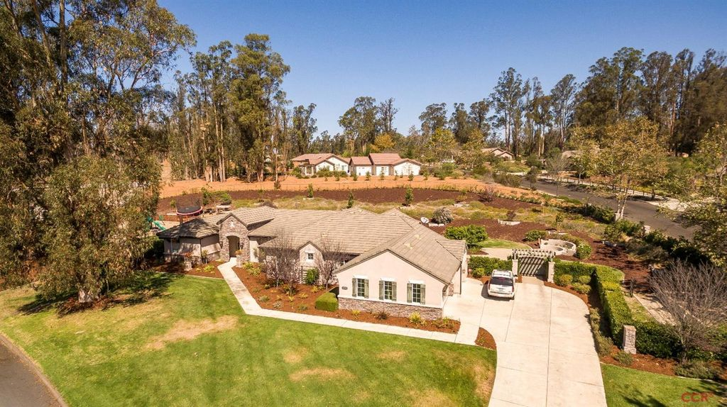 1310 Coloma Ln, Nipomo, CA 93444 -  $1,100,000 home for sale, house images, photos and pics gallery