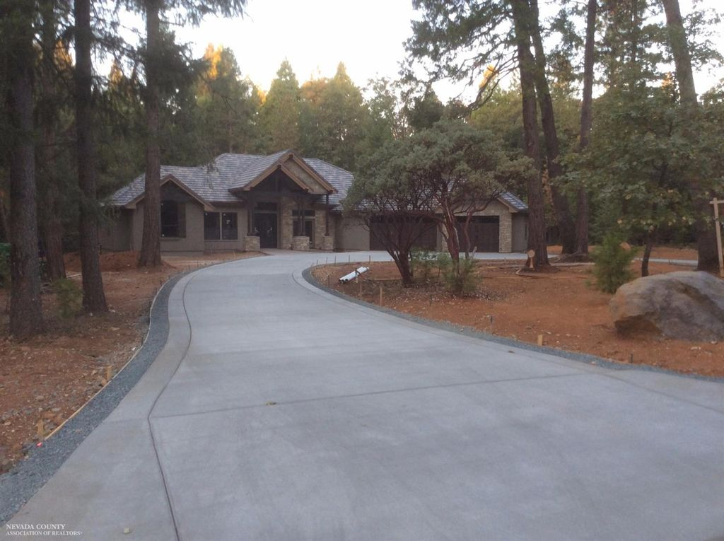 13603 Altair Dr, Nevada City, CA 95959 -  $975,000 home for sale, house images, photos and pics gallery