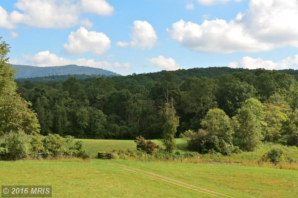 14061 Hume Rd, Hume, VA 22639 -  $1,100,000 home for sale, house images, photos and pics gallery