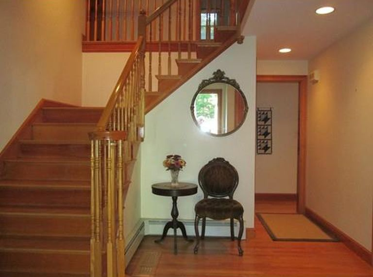 15 Massasoit Path, Wayland, MA 01778 -  $869,000 home for sale, house images, photos and pics gallery