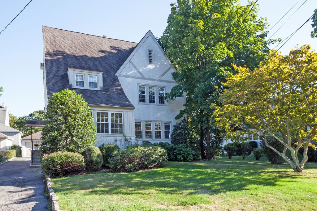 15 Myrtle Blvd, Larchmont, NY 10538 -  $935,000 home for sale, house images, photos and pics gallery