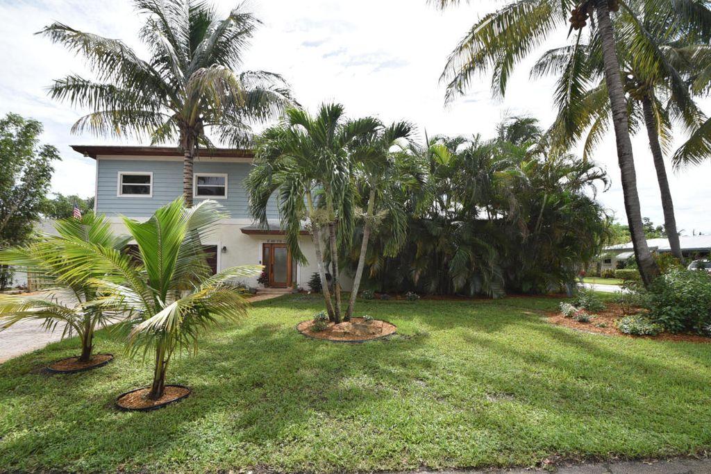 15 NW 17th Ct, Delray Beach, FL 33444 -  $1,099,000