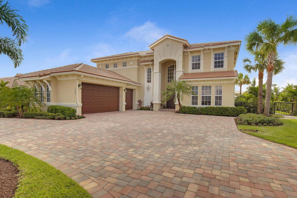 151 Manor Cir, Jupiter, FL 33458 -  $989,000