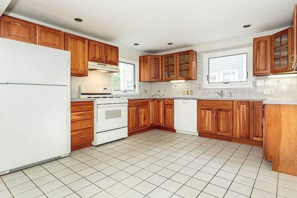 16 Russell St, Boston, MA 02129 -  $979,000