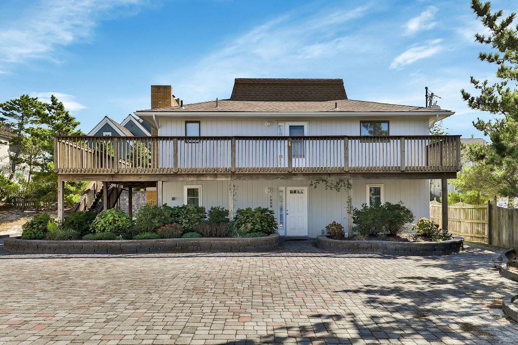 1609 Route 35 N, Mantoloking, NJ 08738 -  $999,000 home for sale, house images, photos and pics gallery