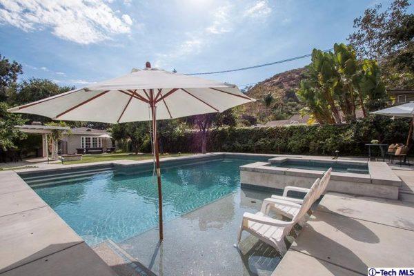 1625 Glorietta Ave, Glendale, CA 91208 -  $1,069,000