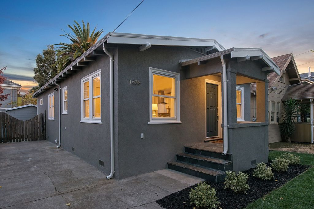 1638 Blake St, Berkeley, CA 94703 -  $895,000 home for sale, house images, photos and pics gallery