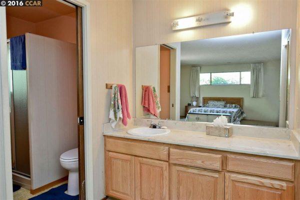 17 Cedarbrook Ct, Walnut Creek, CA 94597 -  $900,000
