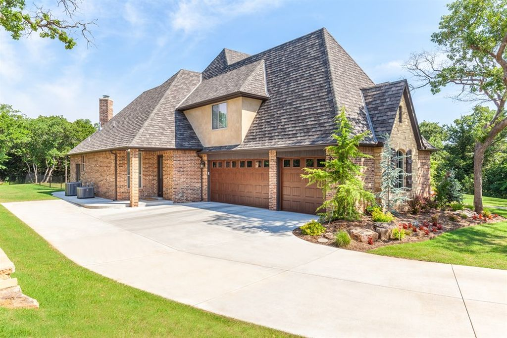 1715 Hidden Lake Dr, Edmond, OK 73034 -  $895,000 home for sale, house images, photos and pics gallery