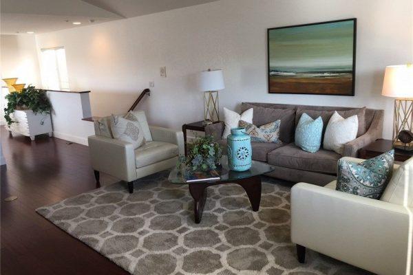 1718 Spreckels Ln, Redondo Beach, CA 90278 -  $1,089,000