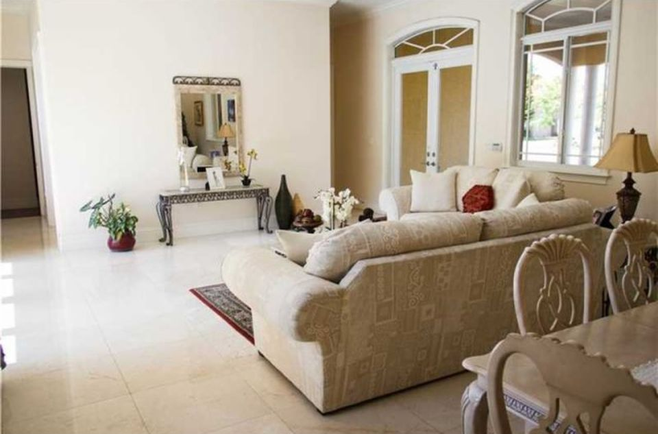 17255 SW 92nd Ct, Palmetto Bay, FL 33157 -  $850,000 home for sale, house images, photos and pics gallery