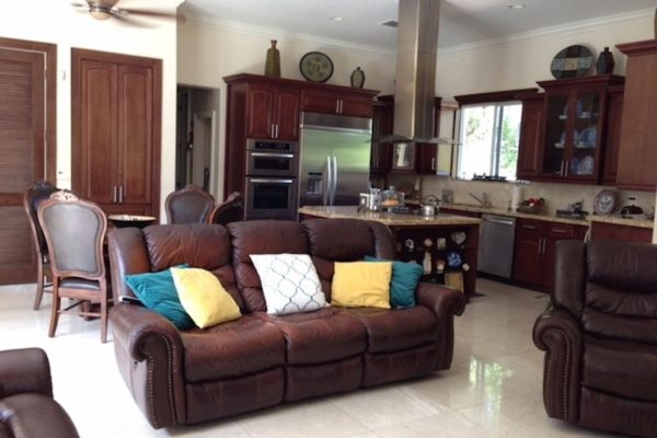 17255 SW 92nd Ct, Palmetto Bay, FL 33157 -  $850,000
