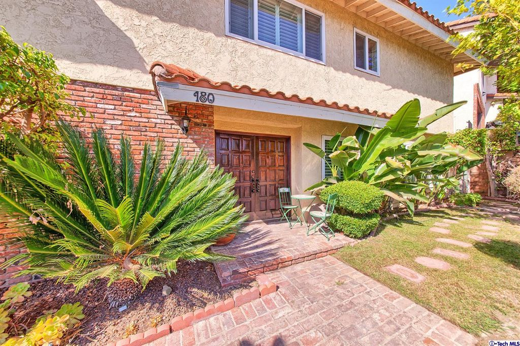 180 Wonderview Dr, Glendale, CA 91202 -  $1,090,000 home for sale, house images, photos and pics gallery