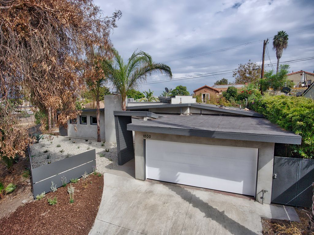 1800 Cochran Pl, Los Angeles, CA 90019 -  $949,888 home for sale, house images, photos and pics gallery