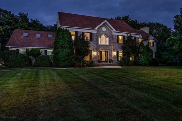 1802 Carriage Hill Dr, Wall Township, NJ 07719 -  $919,000