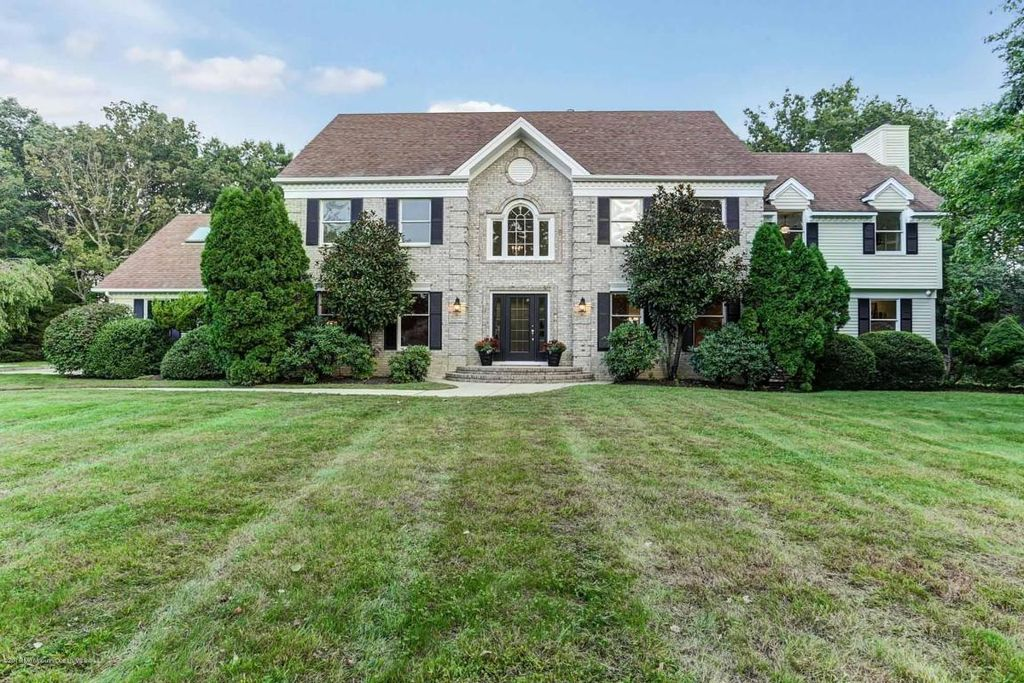 1802 Carriage Hill Dr, Wall Township, NJ 07719 -  $919,000 home for sale, house images, photos and pics gallery