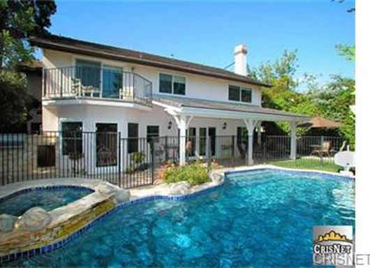 18328 Chatham Ln, Northridge, CA 91326 -  $1,099,000 home for sale, house images, photos and pics gallery