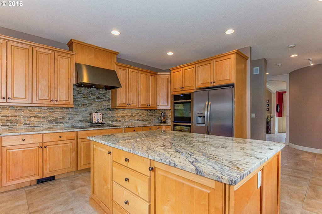 18518 NE 191st Cir, Brush Prairie, WA 98606 -  $950,000 home for sale, house images, photos and pics gallery