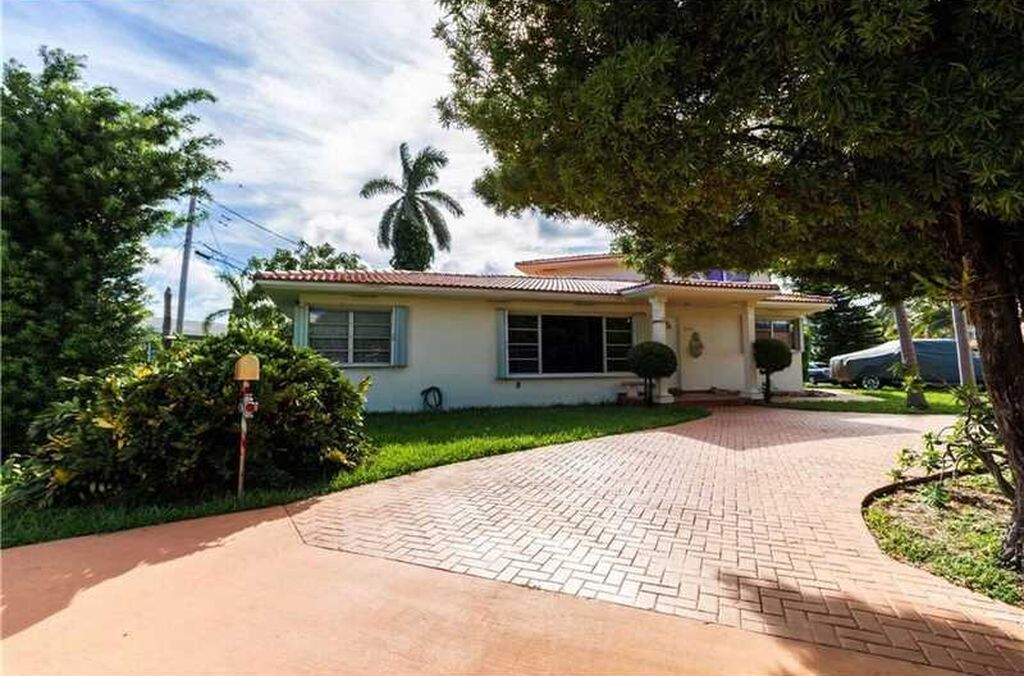 18620 Atlantic Blvd, Sunny Isles Beach, FL 33160 -  $929,000 home for sale, house images, photos and pics gallery