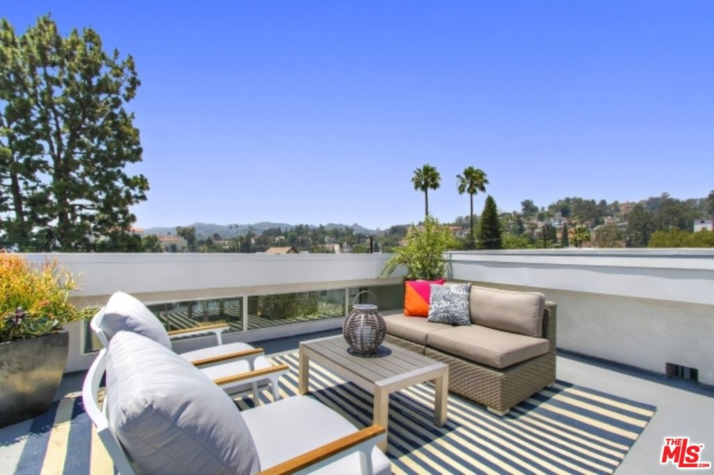 1922 Carmen Ave, Los Angeles, CA 90068 -  $1,150,000 home for sale, house images, photos and pics gallery