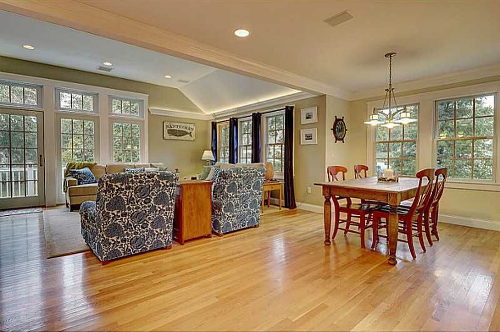 194 Rumstick Rd, Barrington, RI 02806 -  $959,000 home for sale, house images, photos and pics gallery