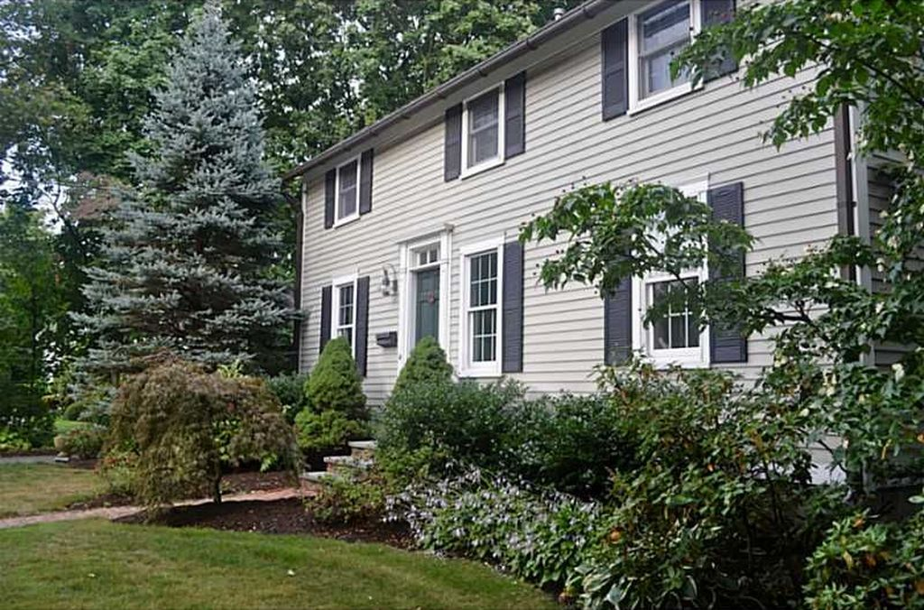 194 Rumstick Rd, Barrington, RI 02806 -  $959,000