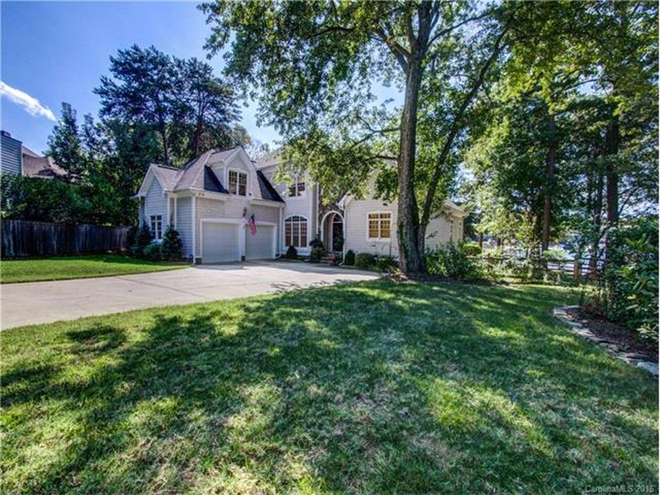 19411 Schooner Dr, Cornelius, NC 28031 -  $925,000 home for sale, house images, photos and pics gallery