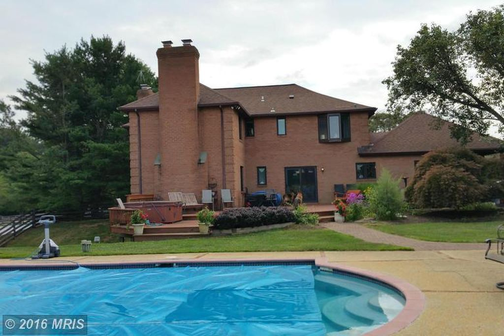 2 Arden Valley Ct, Sparks, MD 21152 -  $1,090,000 home for sale, house images, photos and pics gallery