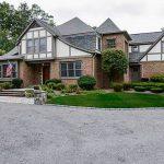 2 Cedar Rock Mdws, East Greenwich, RI 02818 -  $1,079,800