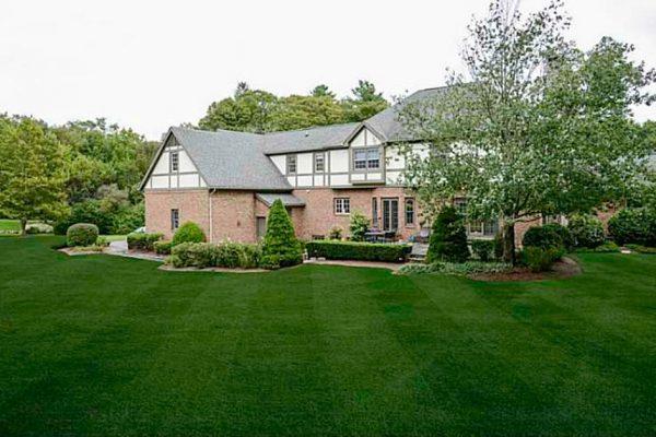 2 Cedar Rock Mdws East Greenwich Ri 02818 1 079 800 House For