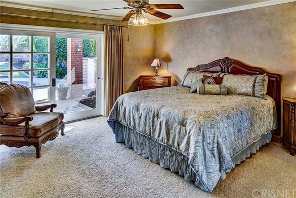 20348 Coraline Cir, Chatsworth, CA 91311 -  $1,039,000 home for sale, house images, photos and pics gallery